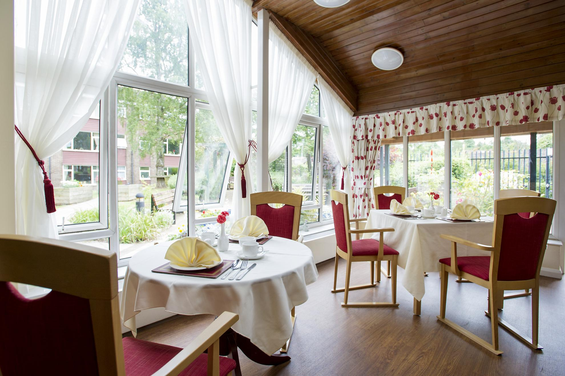 Dementia And Residential Care Home In Cheshire Bradwell