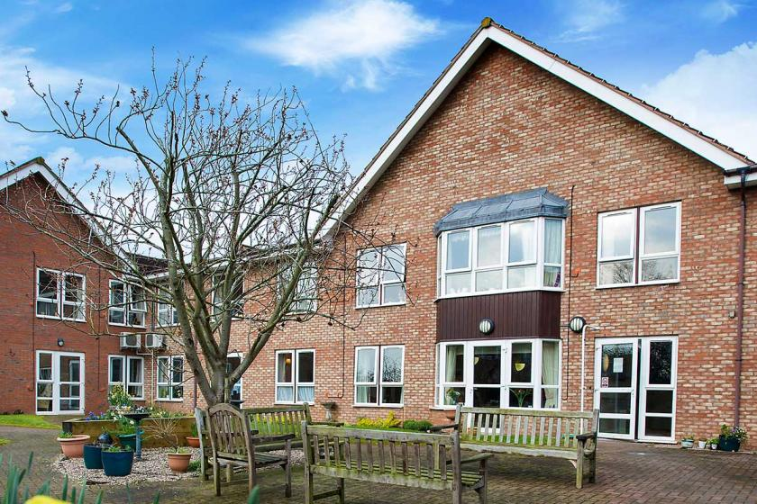 Heathlands care home exterior
