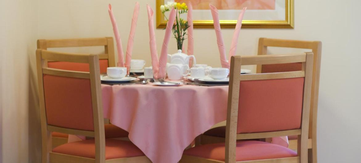 The pink dining room at Wantage Nursing Home.