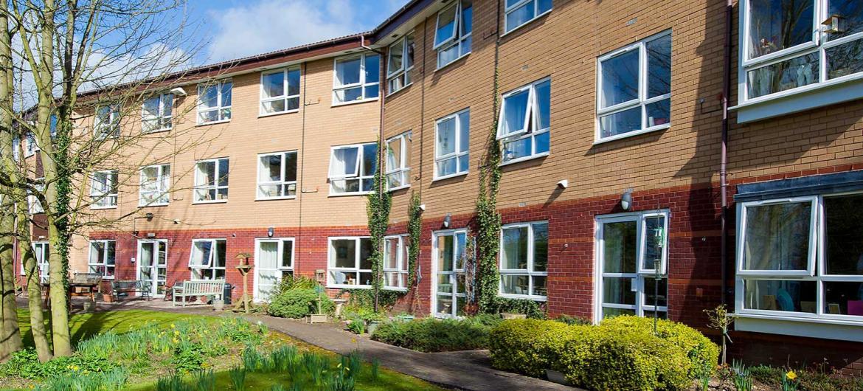 Brambles exterior care home image