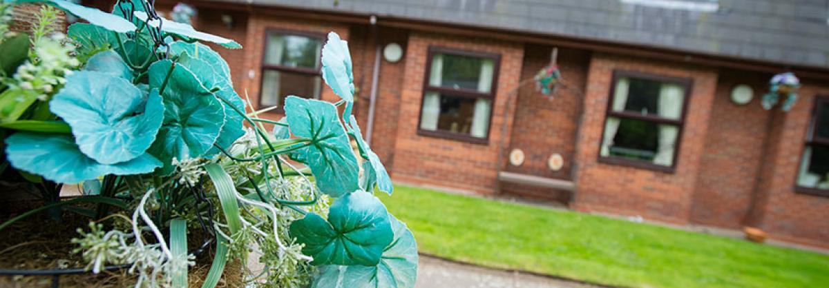 Ravenhurst Care Home external photograph.