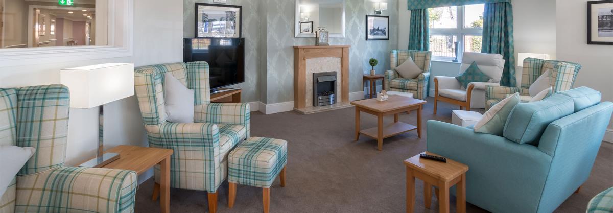Ridgewood Court - Living area