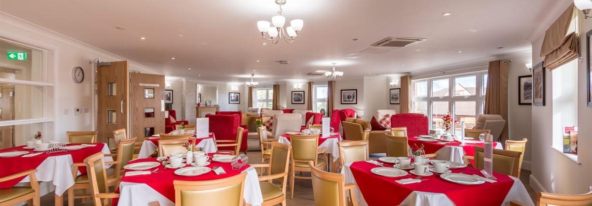 Ridgewood Court - Dining area