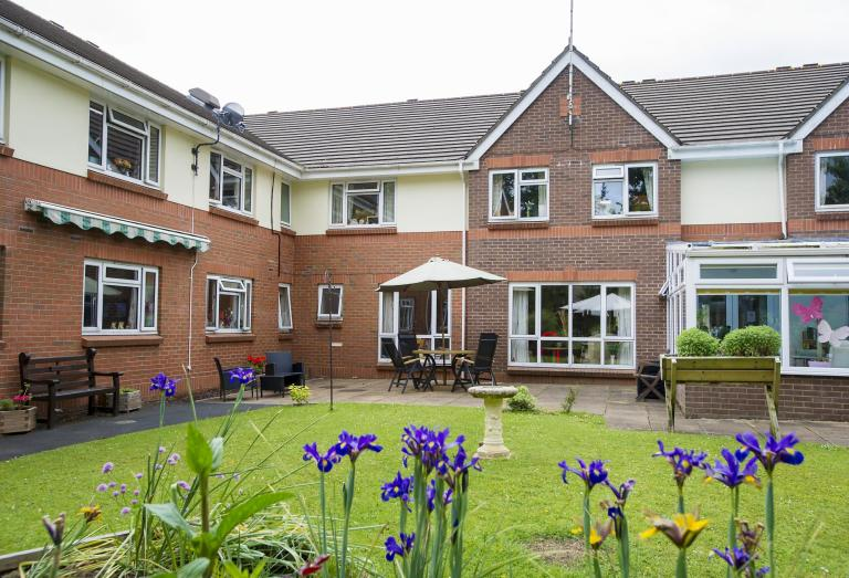 Beach Lawns Residential And Nursing Home   Somerset | Sanctuary Care