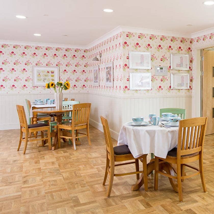 Barony Lodge dining area