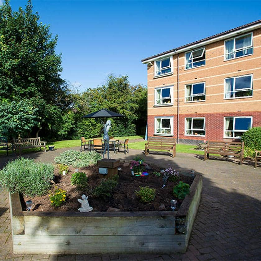 Exterior at Breme care home