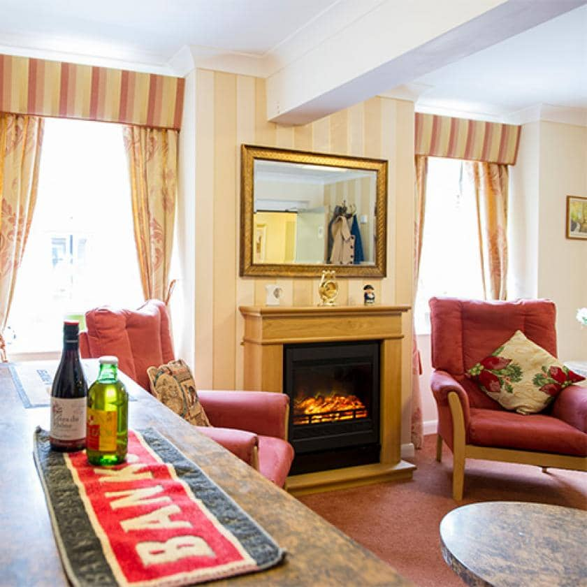 Bar and lounge at Ravenhurst